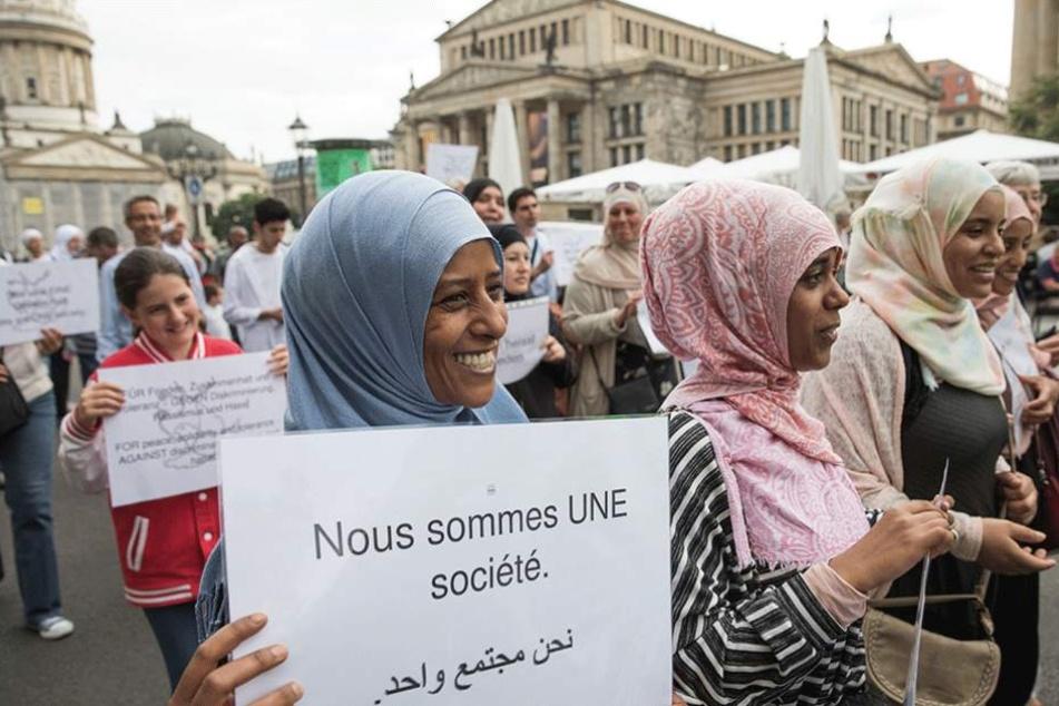 100 Teilnehmer bei Friedensmarsch der Muslime in Berlin