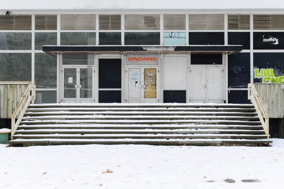 Der Betonkasten steht seit Jahren leer.