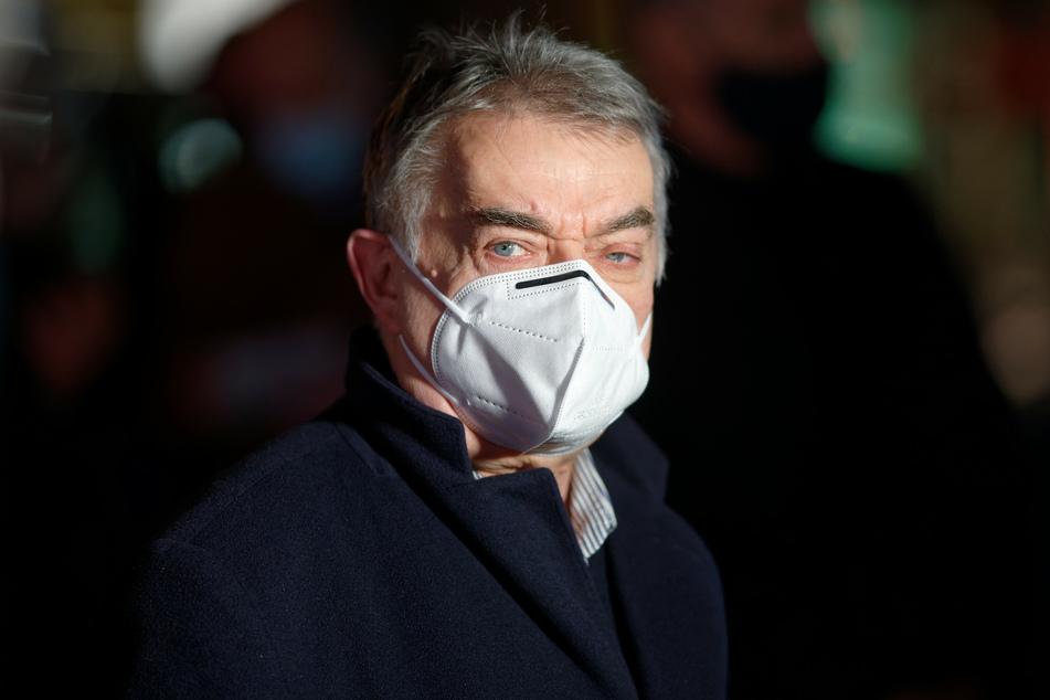 Weil NRW-Innenminister Herbert Reul (68, CDU) vor einer Woche positiv auf das Coronavirus getestet wurde, steht er unter Quarantäne.