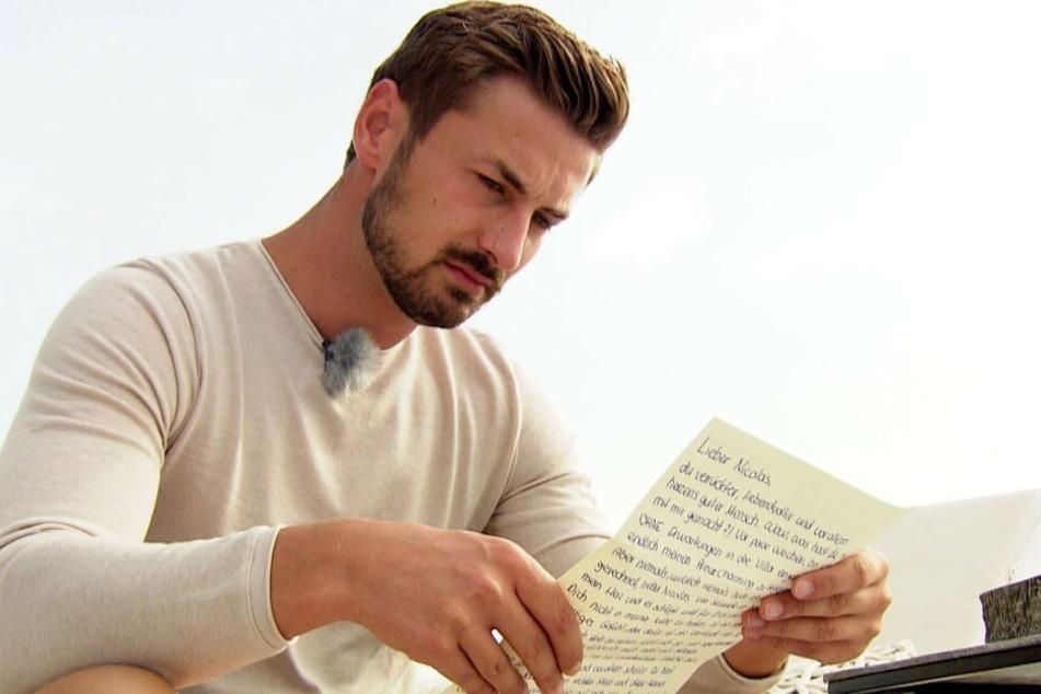 Kurz vor der Entscheidung kullerten bei Prinz Nicolas die Tränen, als er sich die emotionalen Briefe der Finalisten durchlas.