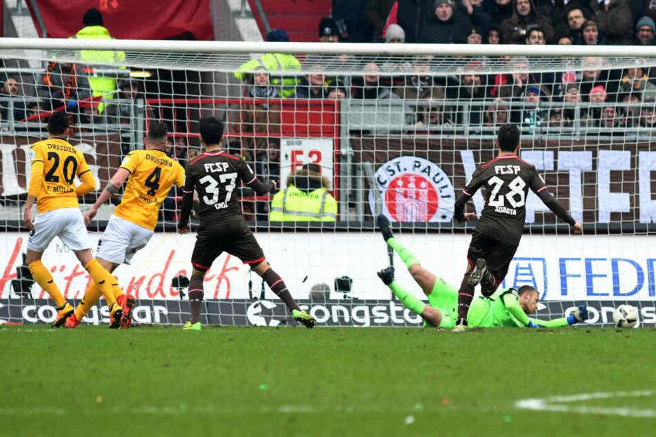 Hier trifft Kyoung-Rok Chor zum 1:0 für St. Pauli.