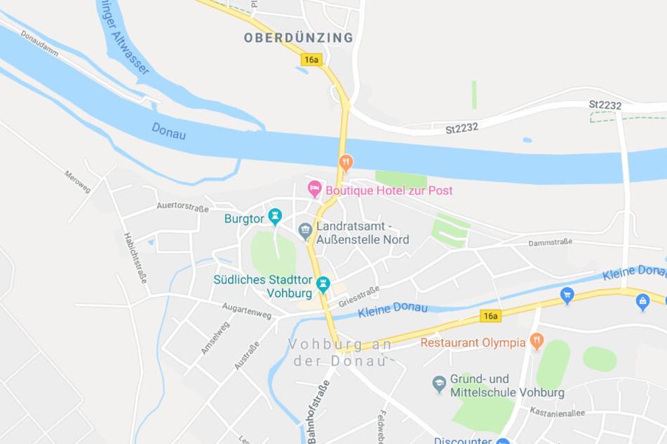 Auf der Bundesstraße 16A in Bayern hat sich am Montagabend ein schwerer Unfall ereignet.