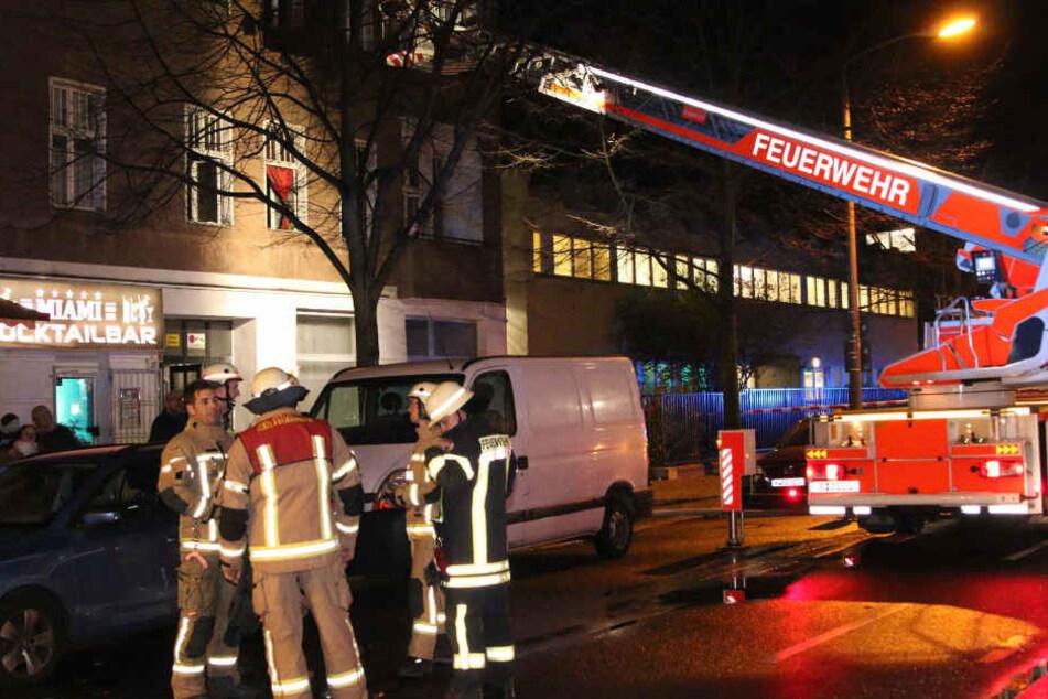 Bei dem Brand erlitten insgesamt vier Personen eine Rauchvergiftung.