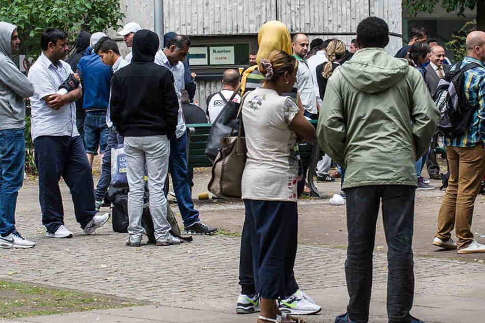 Tagelang Anstehen muss vor dem Lageso aktuell niemand mehr. 2015 war der Flüchtlingsandrang jedoch besonders groß und die Behörde überfordert.