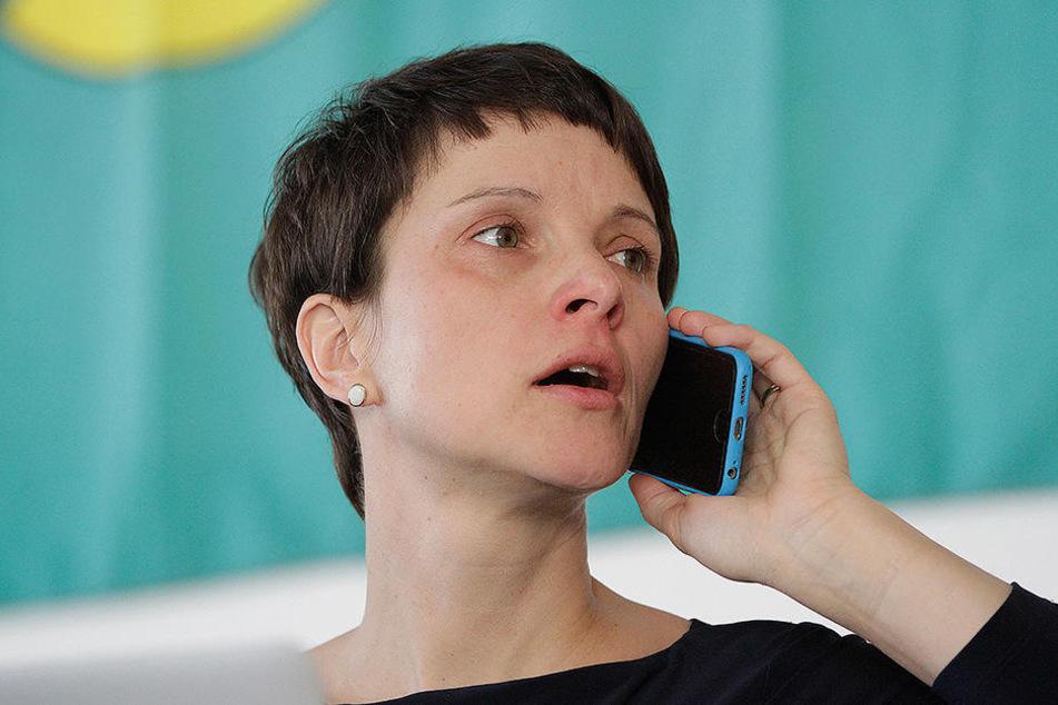 Auch Frauke Petry (41) war am Samstag beim Landesparteitag der AfD Sachsen anwesend.