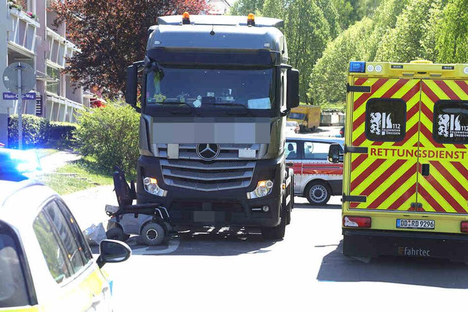 An der Einmündung zum Hans-Otto-Weg kam es zum Crash.