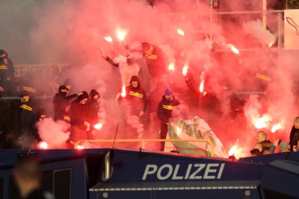 Zuletzt hatte es im November 2017 ein Derby gegeben. In der Regionalliga trennten sich die Teams 0:0. Überschattet wurde die Begegnung von Ausschreitungen beider Fanlager.