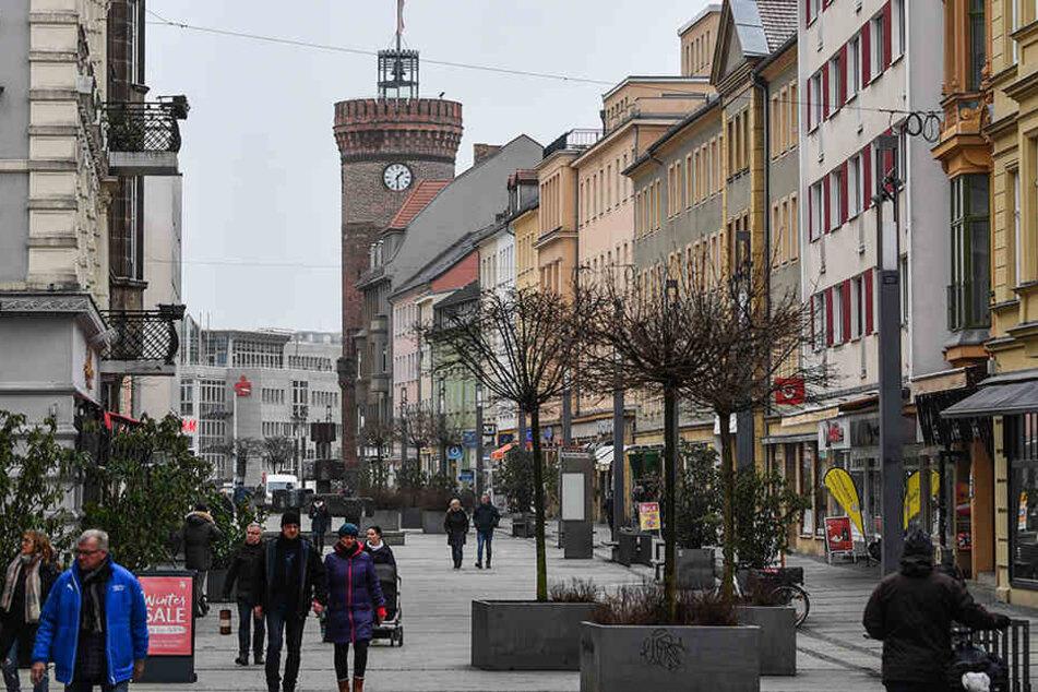 In letzter Zeit kam es in Cottbus immer wieder zu Auseinandersetzungen zwischen Deutschen und Ausländern.