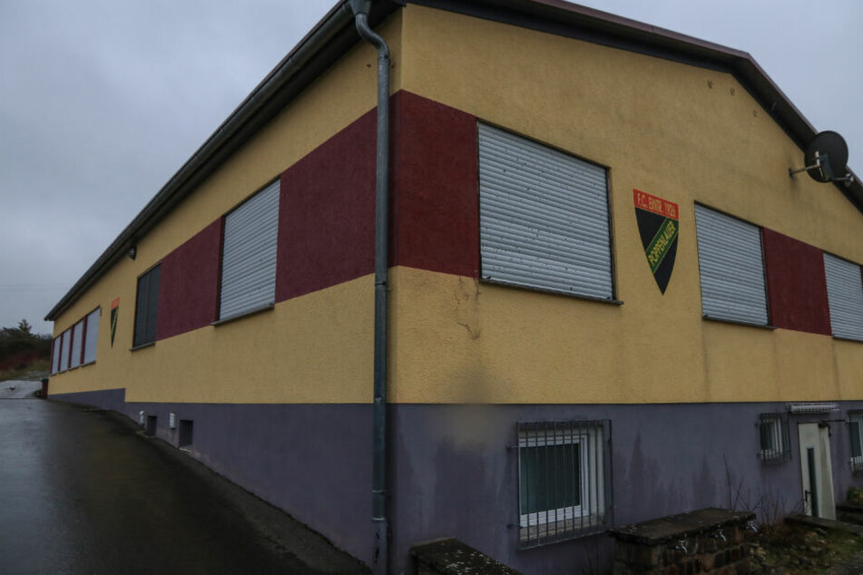Das Vereinsheim des Sportvereins, für den der mutmaßliche Täter als Jugendtrainer tätig war.