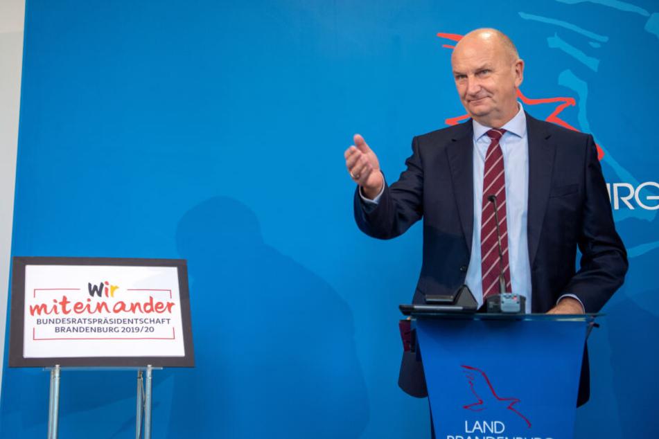 Brandenburgs Ministerpräsident Dietmar Woidke begrüßt das Vorhaben des Elektroauto-Herstellers Tesla.