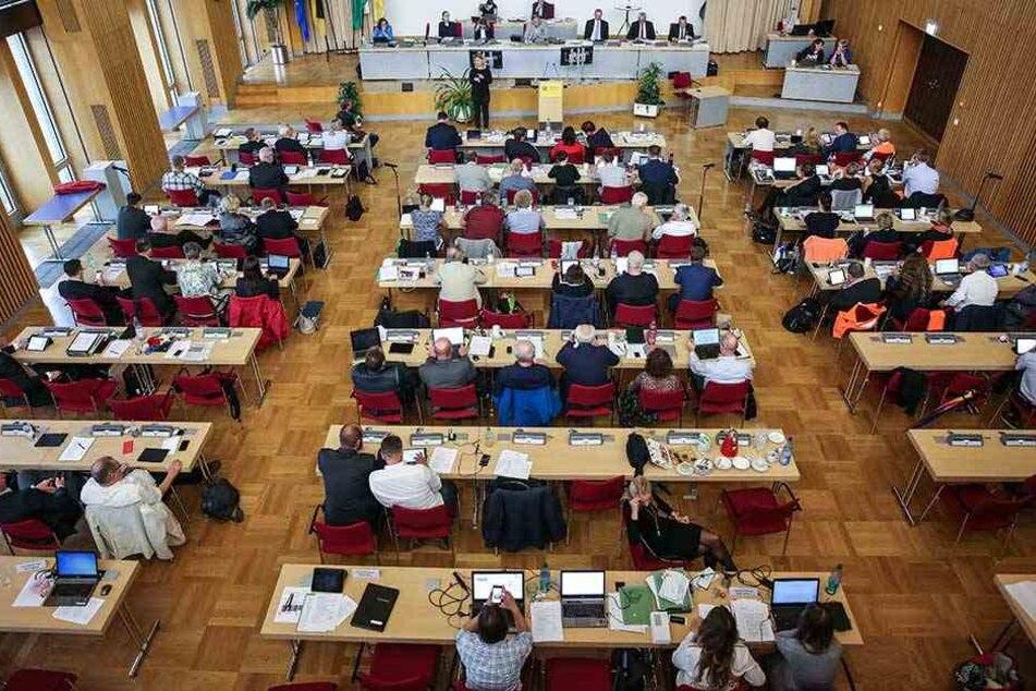 Zum ersten Mal seit der Kommunalwahl 2014 hat Rot-Grün-Rot keine Mehrheit im Rat.