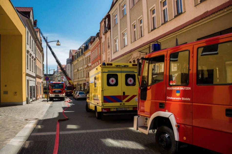 Großalarm in Bautzen! Dachstuhl steht in Flammen