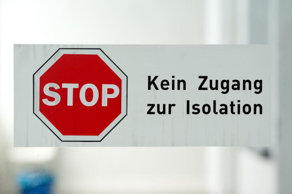 Ein Schild mit der Aufschrift «Kein Zugang zur Isolation»