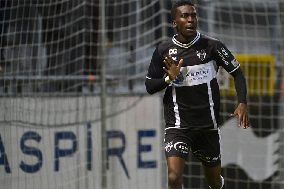 Steht Henry Onekuru (19) vor einem Wechsel zu RB Leipzig?
