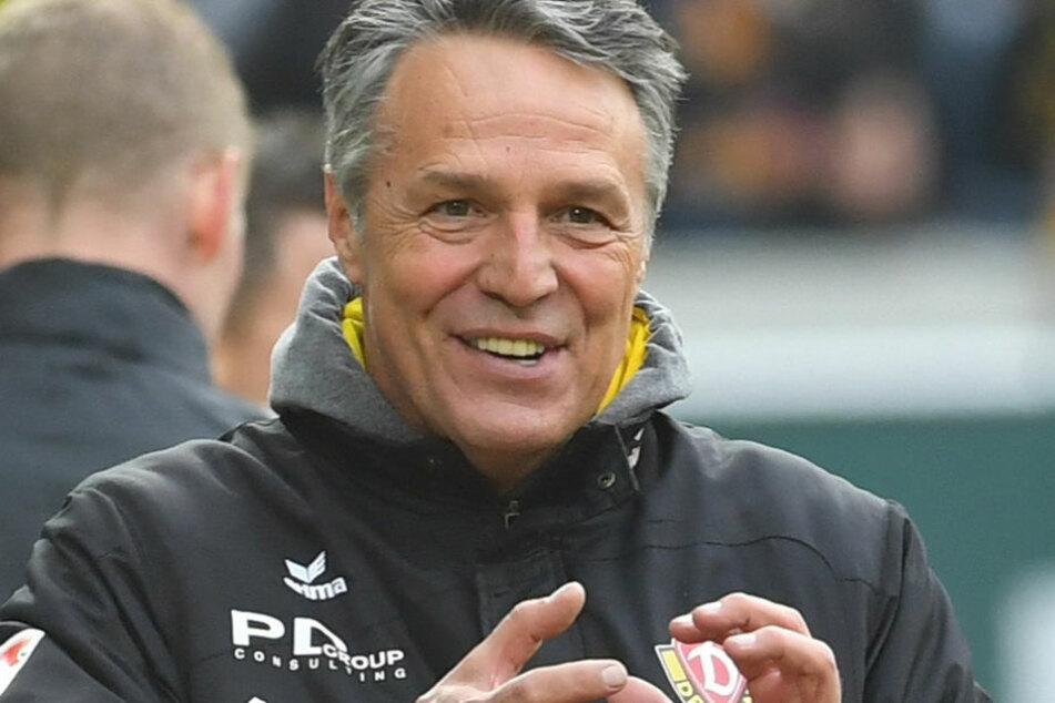 Dynamo-Trainer Uwe Neuhaus kann durchaus zufrieden sein mit der Leistung seiner Mannschaft.