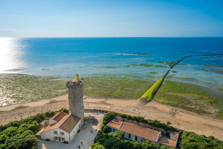 Die Inselwelt an Frankreichs Westküste bietet wunderschöne menschenleer Strände.