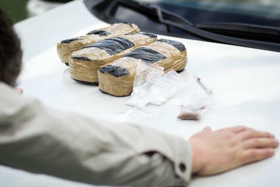 Schlag gegen internationalen Rauschgifthandel: Festnahmen in mehreren Bundesländern