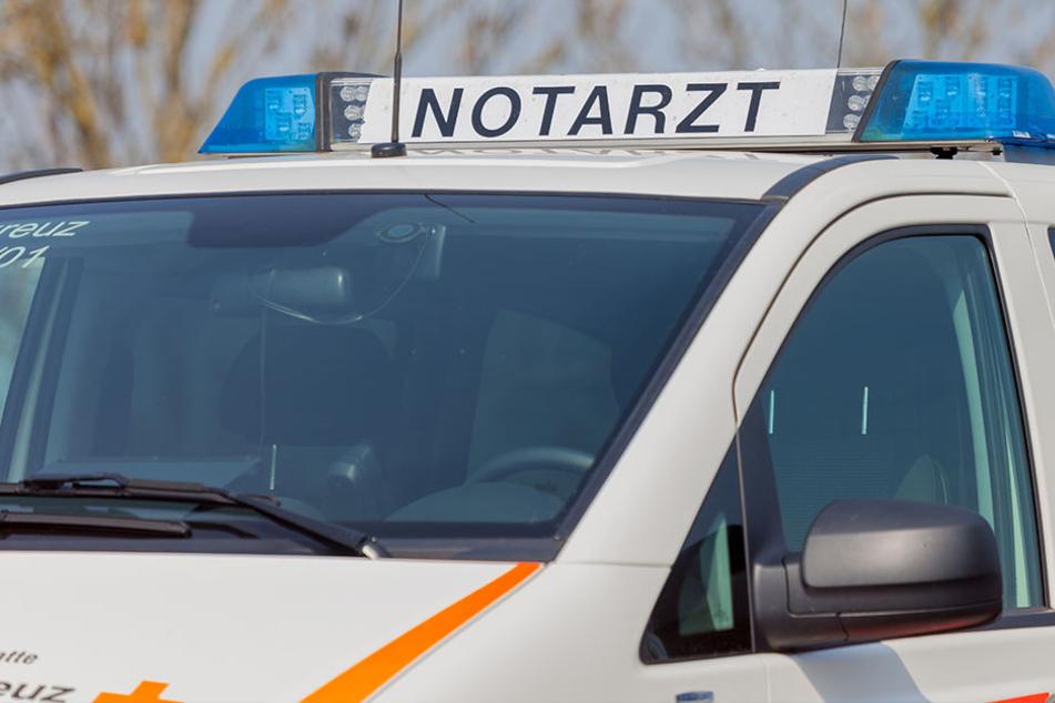 Bei dem Crash wurden laut Polizei zwei Frauen verletzt. (Symbolbild)