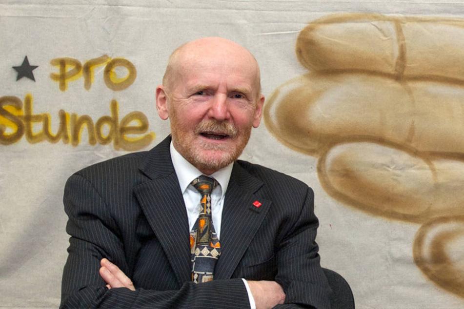 Jörg Lauenroth-Mago von ver.di kritisiert die Sonntagsöffnungen aufs schärfste.