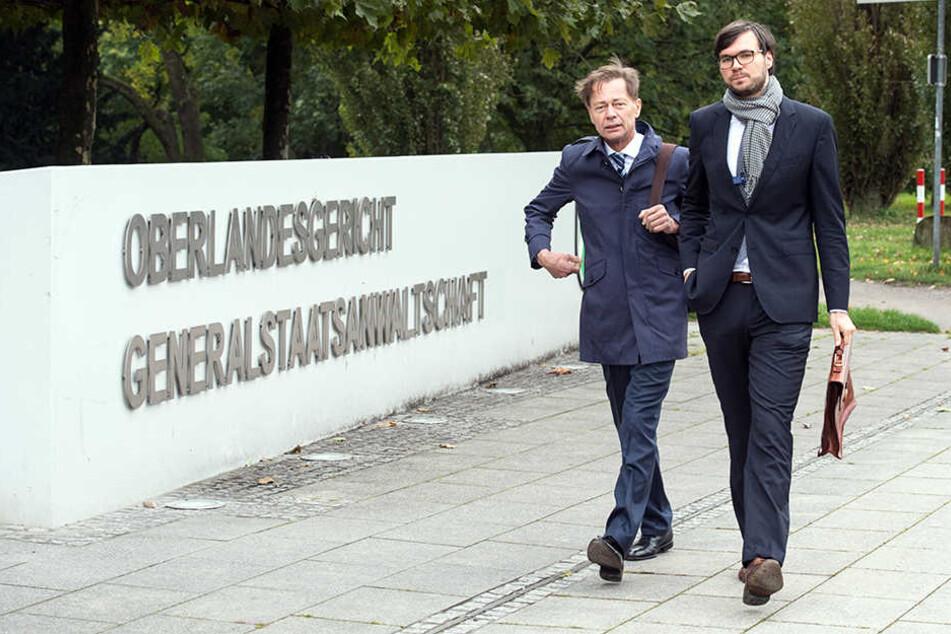 Auf dem Weg zum Gericht: Thomas Middelhoff (links) und sein Anwalt Udo Wackernagel.