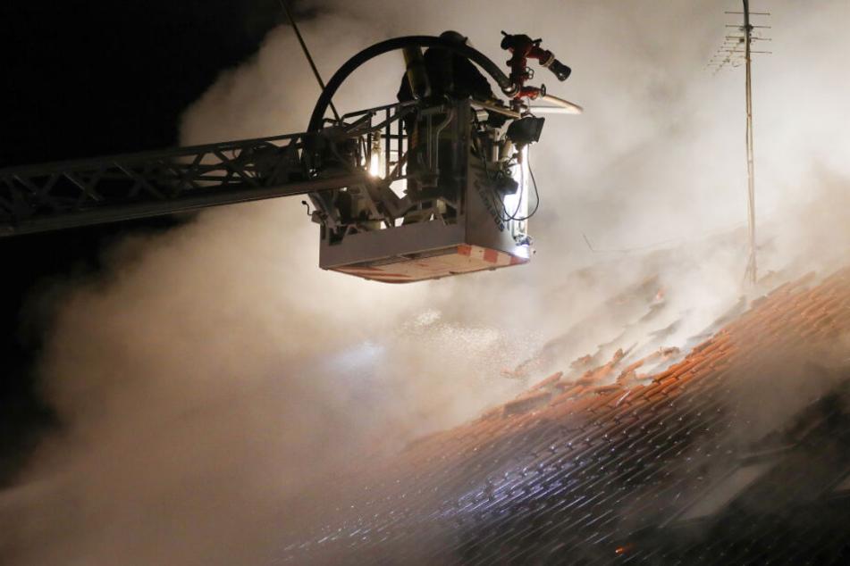 Feuerwehr löschte den Brand.
