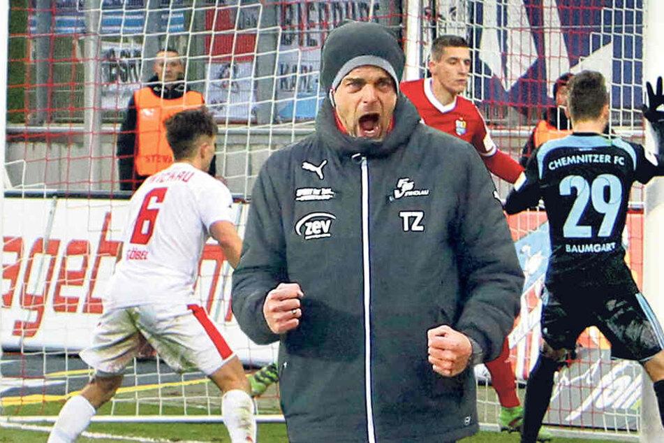 FSV-Coach Torsten Ziegner ballt die Fäuste - dieser Sieg tat richtig gut.