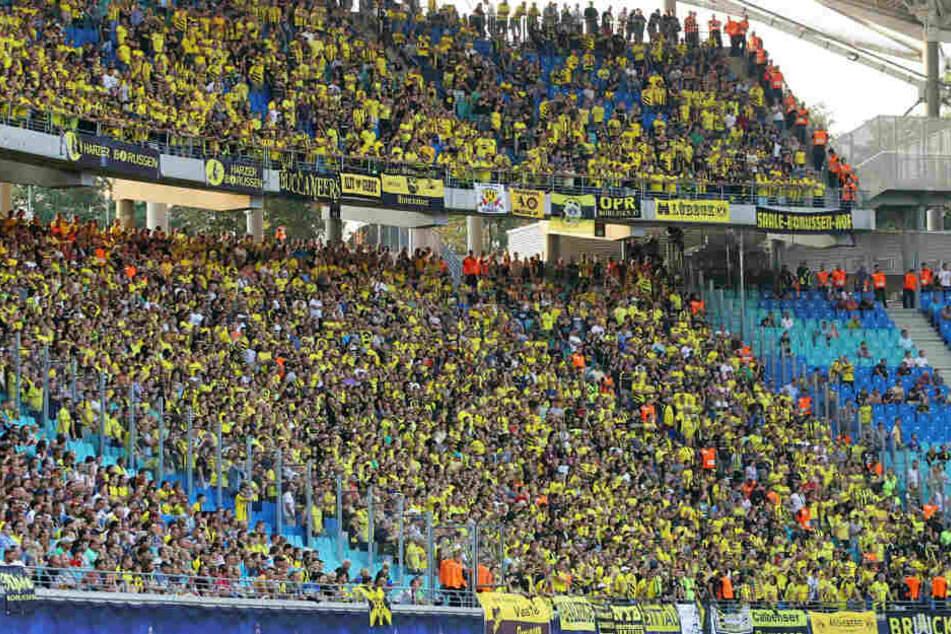Ein Foto vom ersten Bundesliga-Heimspiel in der Leipziger Vereinsgeschichte: Der Block des Gegners Borussia Dortmund ist komplett voll. So wird es auch am Samstag wieder aussehen - trotz Boykotts.