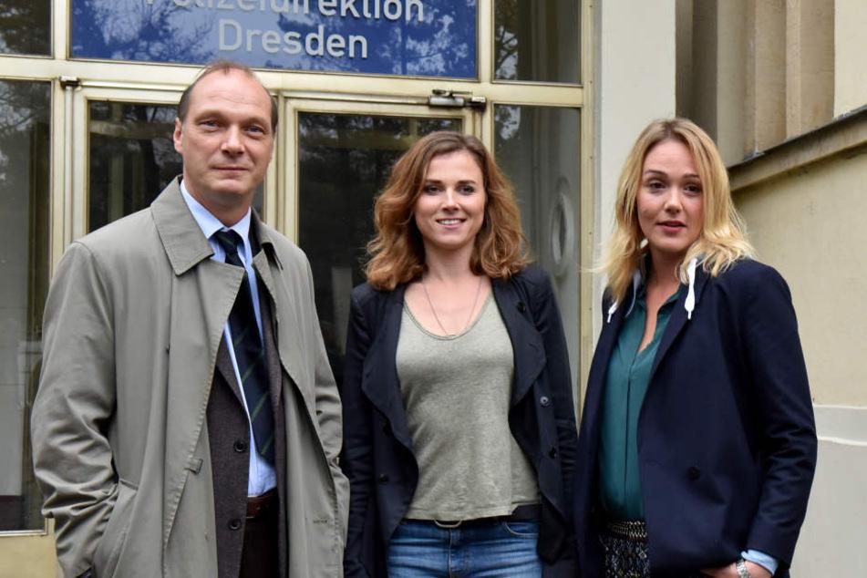 Alwara Höfels (r) mit ihren Tatort-Kollegen Martin Brambach und Karin Hanczewski.