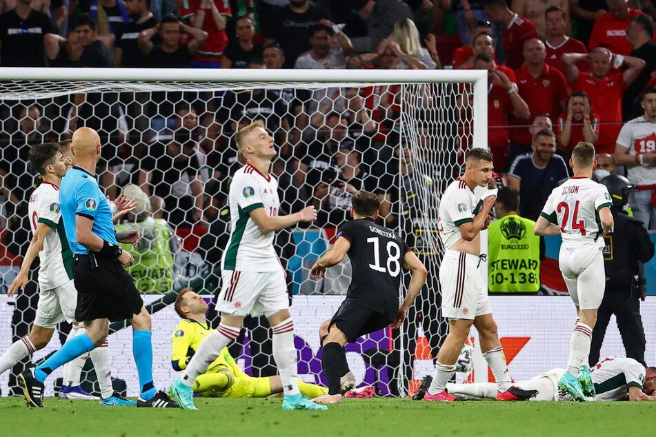 Dieser Treffer sicherte endgültig den Einzug ins Achtelfinale: Deutschlands Leon Goretzka (M.) erzielt das Tor zum 2:2 gegen Ungarn.