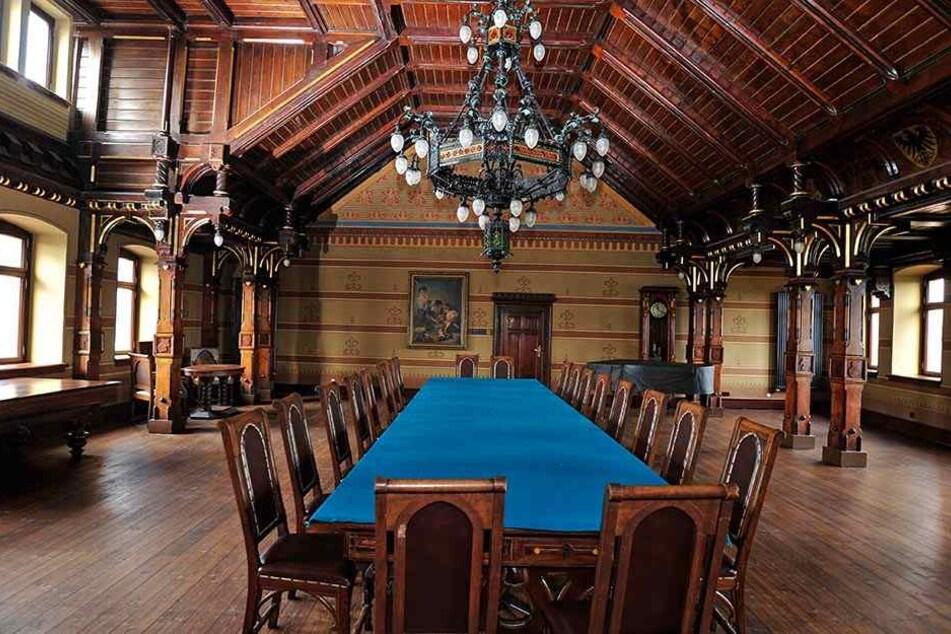 Historisch und wunderbar erhalten: der Ratsaal auf Burg Mylau.