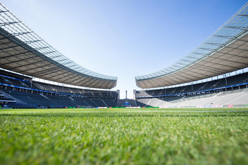 Das Berliner Stadtderby wird ohne Fans im Olympiastadion stattfinden.