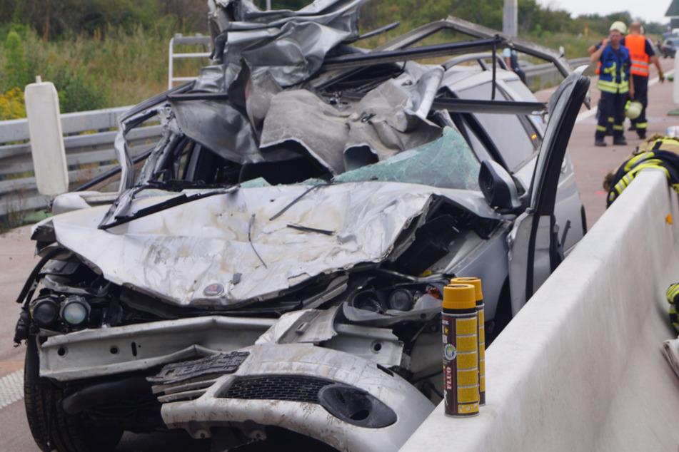 Auto fährt in Brückenbaustelle: A9 nach tödlichem Unfall gesperrt