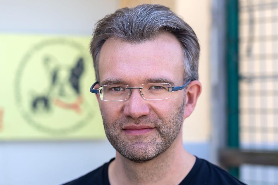 """Daniel Pfalz (42) vom Verein """"Tierfreunde helfen Tieren in Not"""" hofft auf bessere Zeiten."""