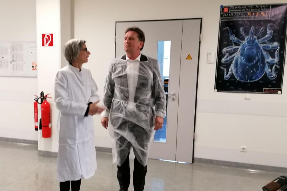 Gesundheitsminister Lucha ruft zur Besonnenheit auf: 14 Proben werden abgeklärt