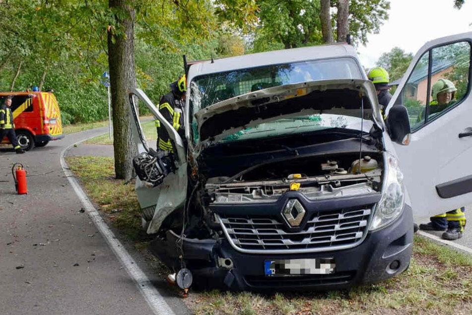 Der Fahrer wurde bei dem Unfall verletzt.