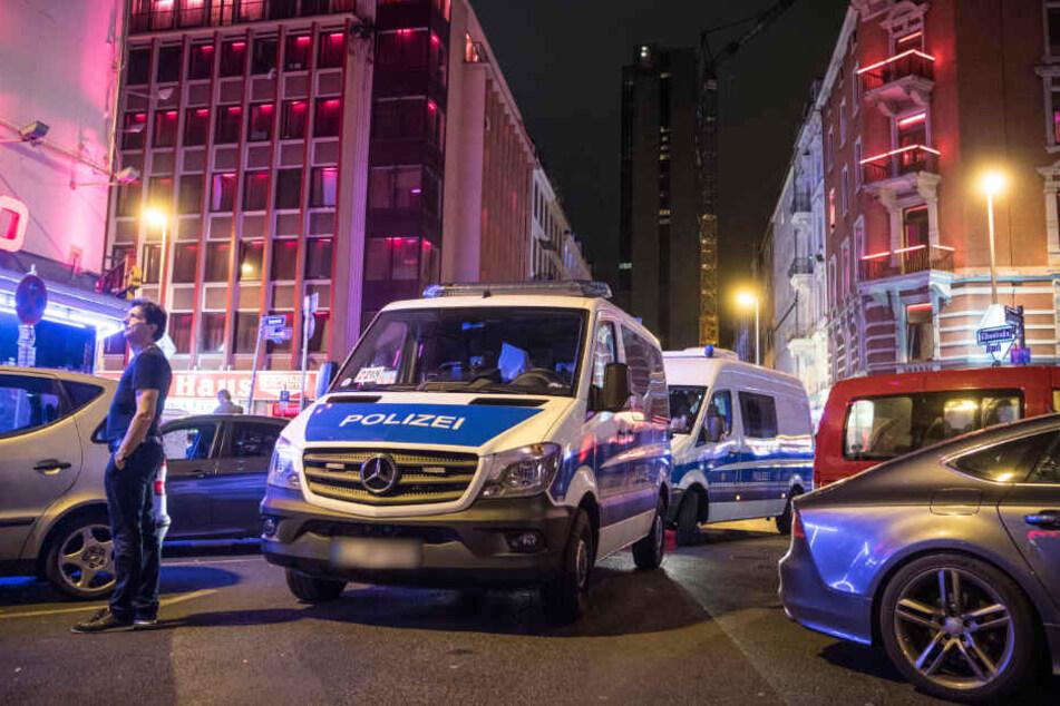 Kurz nach der Attacke floh der Angreifer (Symbolfoto).