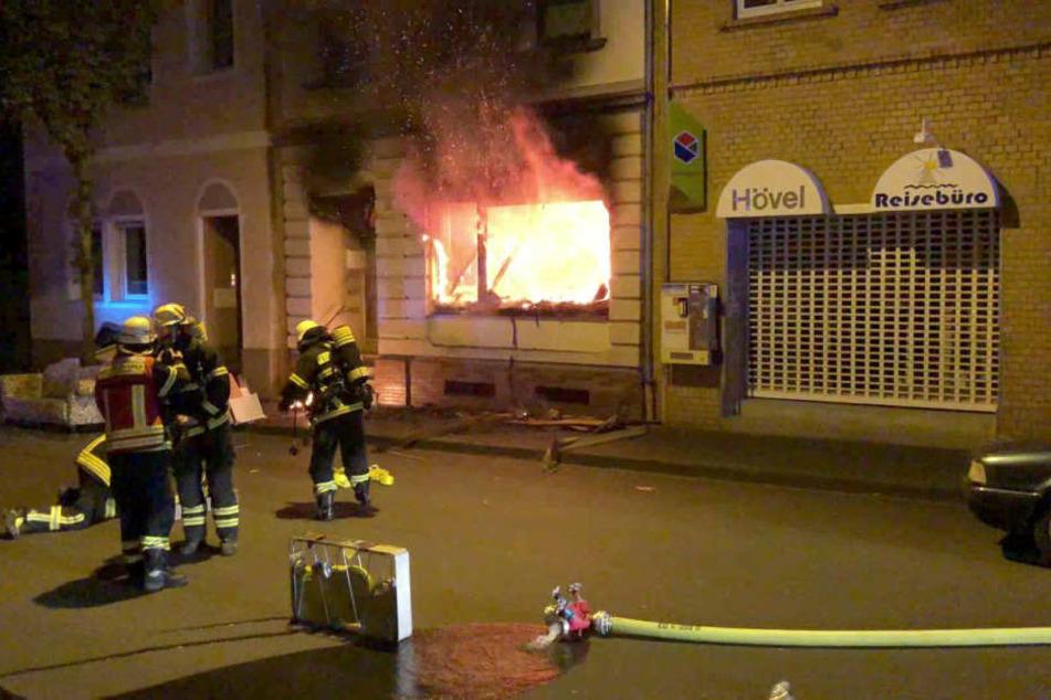 Legte Bewohnerin Feuer? Hund aus Flammen gerettet