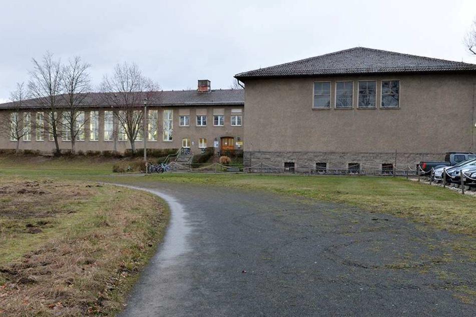 Die Turnhalle in Klotzsche ist an die Schwimmhalle angegliedert. Der Komplex soll abgerissen werden.
