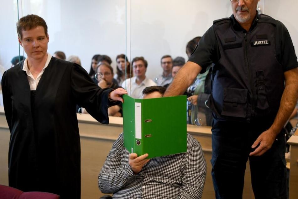 Prozess um zerstückelte Leiche: Urteil für Killer-Paar fällt!