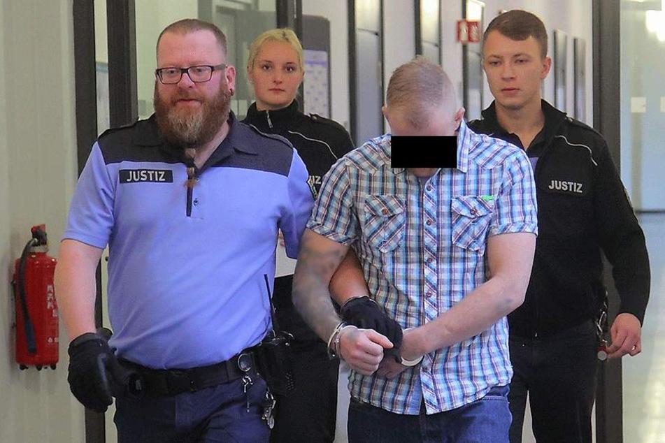 Dominic P. (30) schmuggelte Drogen im Hinterteil nach Deutschland.