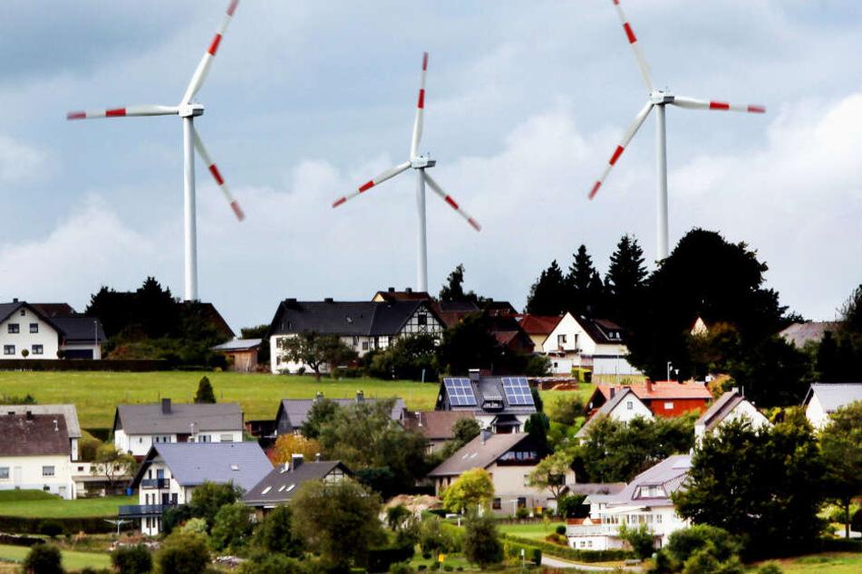 2019 gingen in NRW nur knapp 40 neue Windräder in Betrieb (Symbolbild).