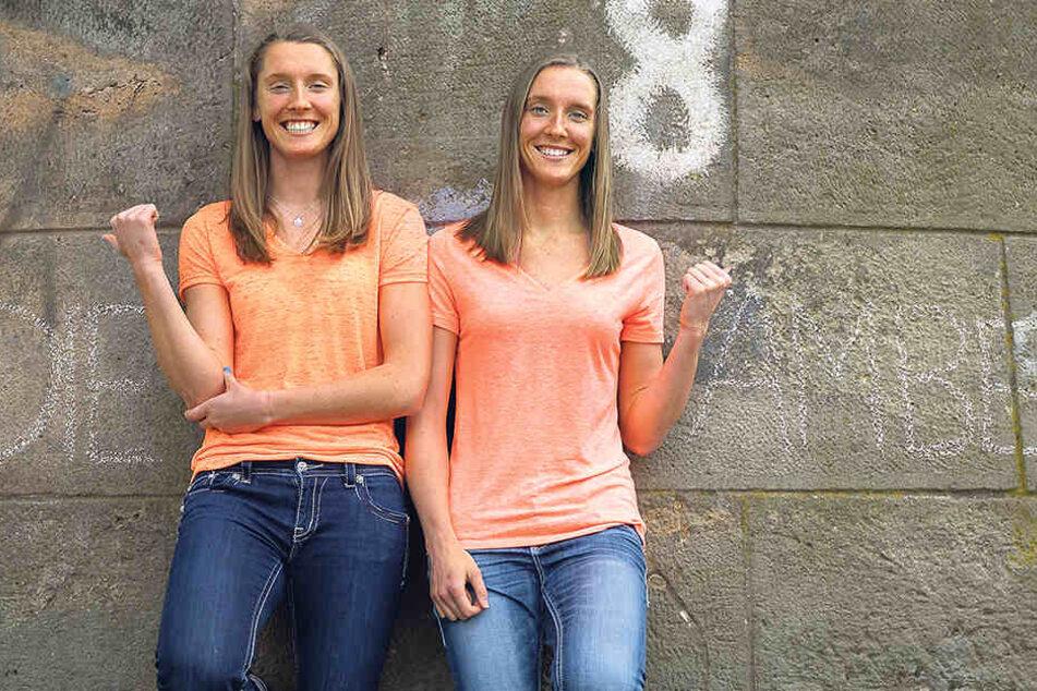 Wer ist wer? Das war die Frage, als die Rolfzen-Zwillinge 2016/17 gemeinsam für den DSC spielten. Dem Fotografen halfen Kadie und Amber hier mit Kreide auf die Sprünge.
