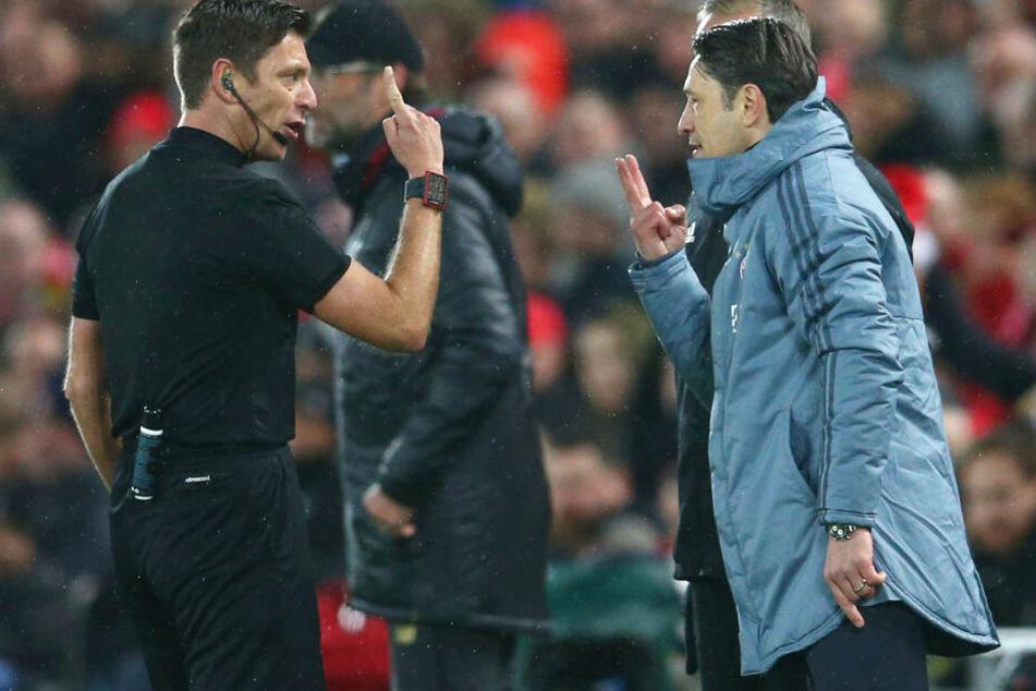 Bayern-Trainer Niko Kovac (r.) war mit dem Schiedsrichter nicht immer zufrieden.