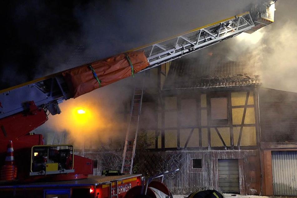 Das Fachwerkhaus in Michelstadt wurde durch das Feuer nahezu komplett zerstört.