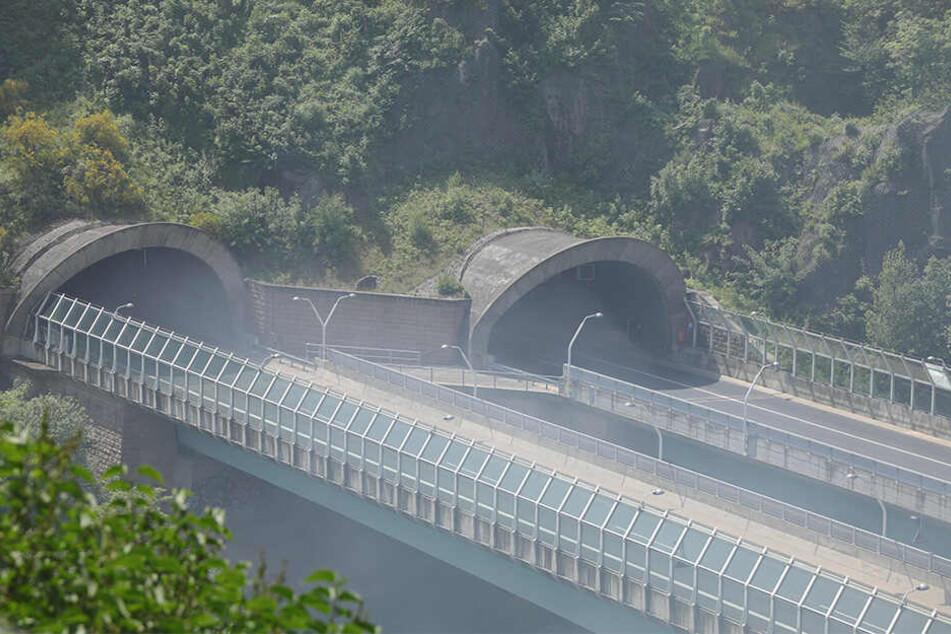 Am Coschützer Tunnel auf der A17 ging am Samstagvormittag gar nichts mehr.