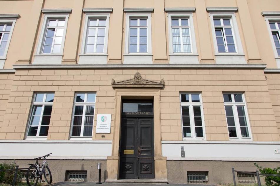 Vor dem Detmolder Landgericht wurde der 29-Jährige nun zu einer Haftstrafe verurteilt.