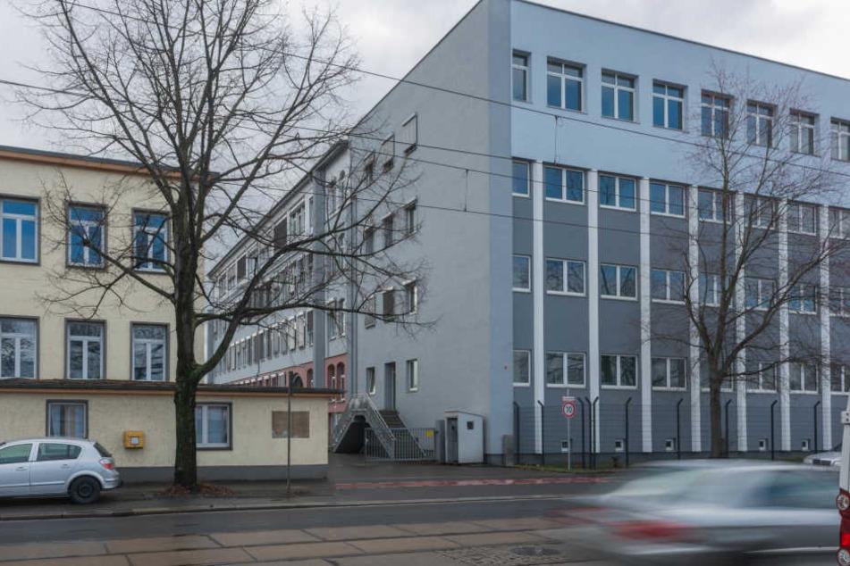 Leere Flüchtlingsheime und Erstaufnameeinrichtungen in der Hamburger Straße.
