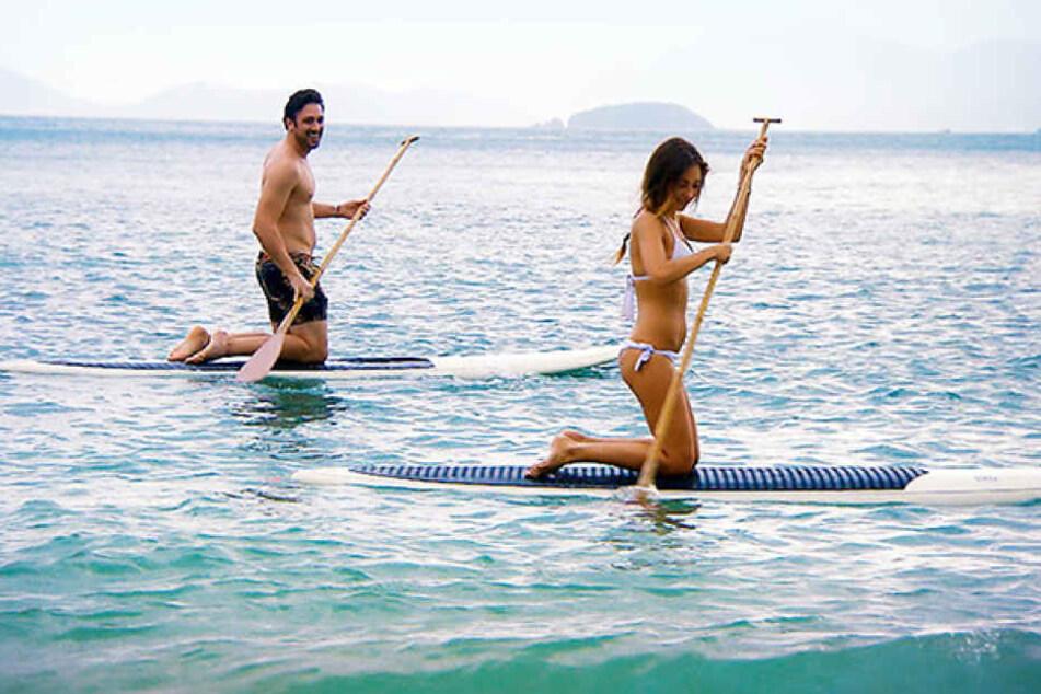 Fürs erste Dreamdate lädt Daniel Kristina auf eine einsame Insel zum Stand Up-Paddle ein.
