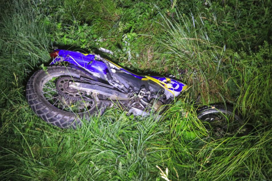 Ein 50 Jahre alter Motorradfahrer wurde schwer verletzt.
