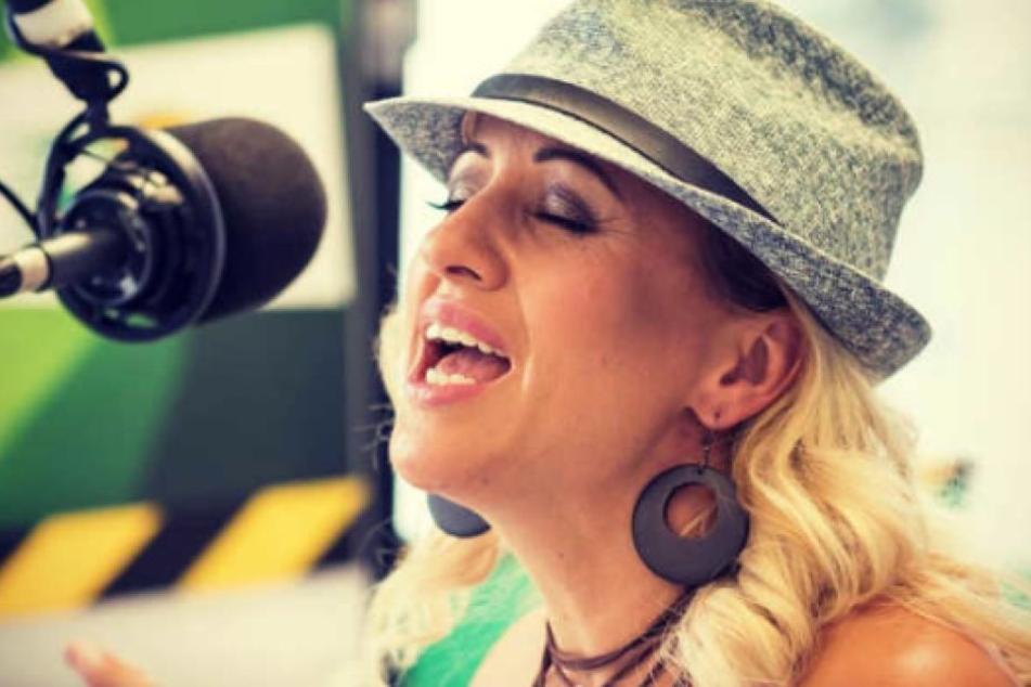 Hörfunkstudios waren 21 Jahre ihre Welt. Zuletzt war Freddy Morningshow-Frontfrau bei PSR. Am 13. August stieg sie überraschend aus.